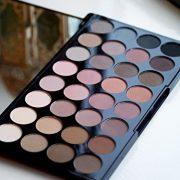 Makeup-Revolution-Palette-Ultra-Fards-A-Paupires-32-Teintes-Mat-parfait-0-5