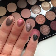 Maquillage-Revolution-Palette-32-ombres--paupires-Brillants-et-Mats-Nudes-Flawless-0-1